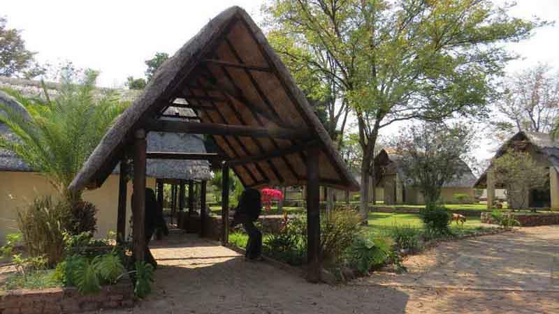 Matetsi Lodge Entrance